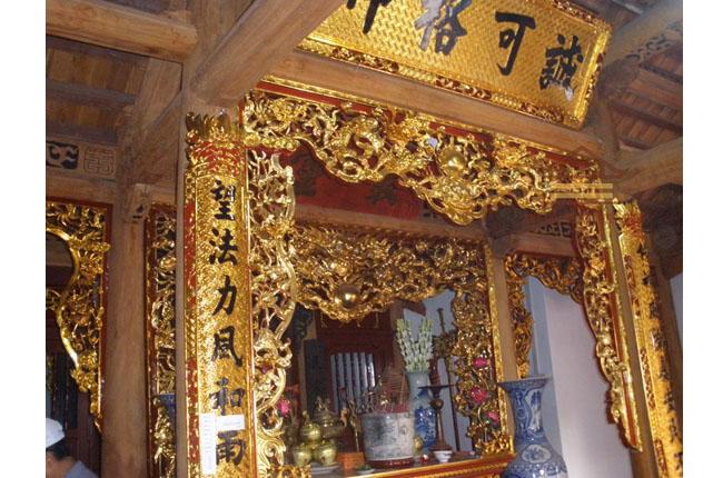 Hoành phi- cửa võng- câu đối tại Đền Nhân Thọ (Hà Nội)